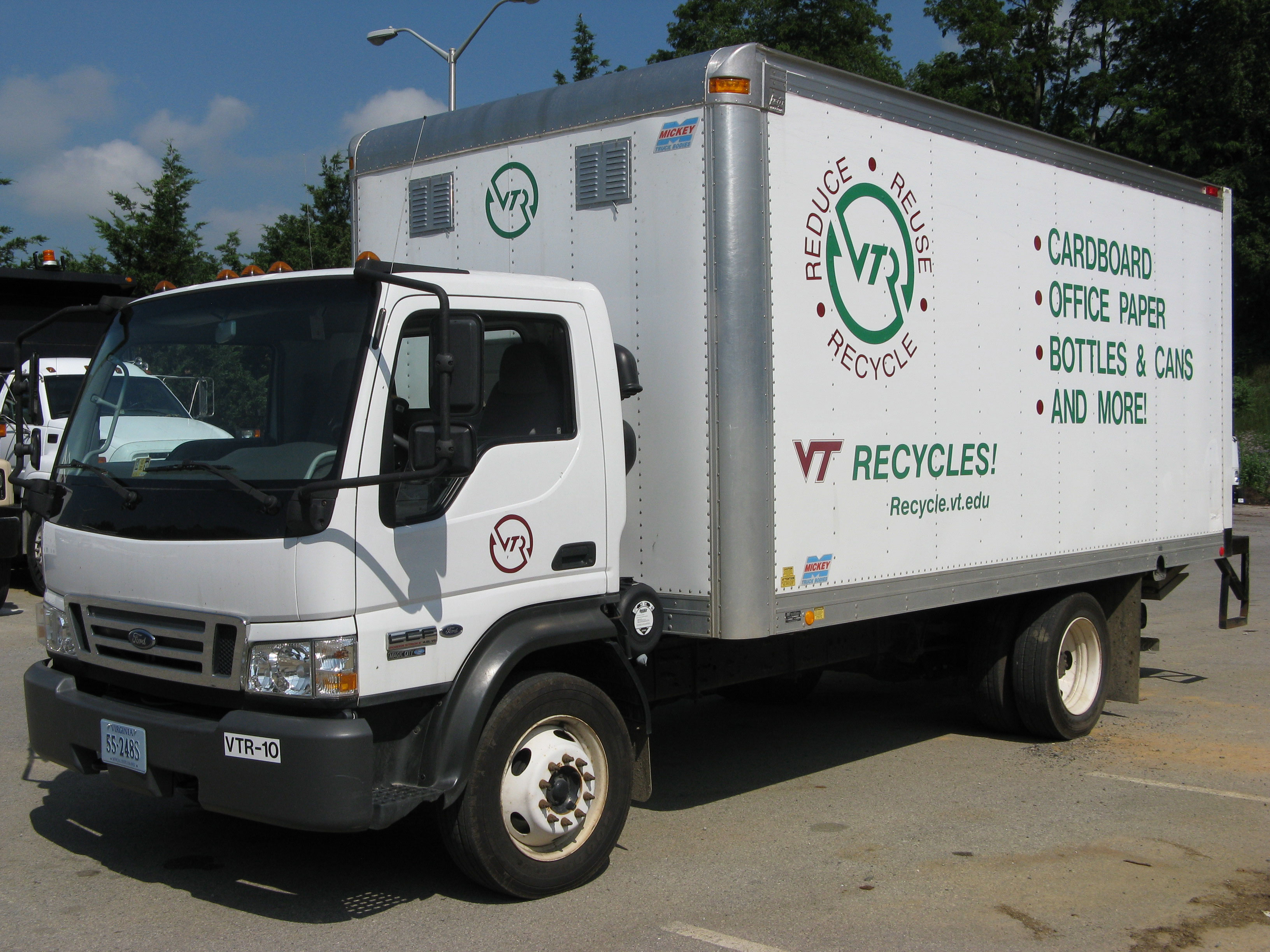 A Virginia Tech recycling truck