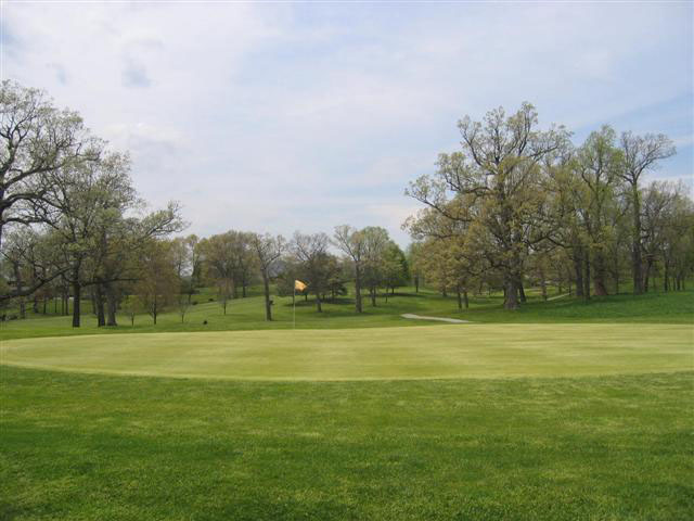 The Virginia Tech Golf Course is hosting a Summer Golf League.