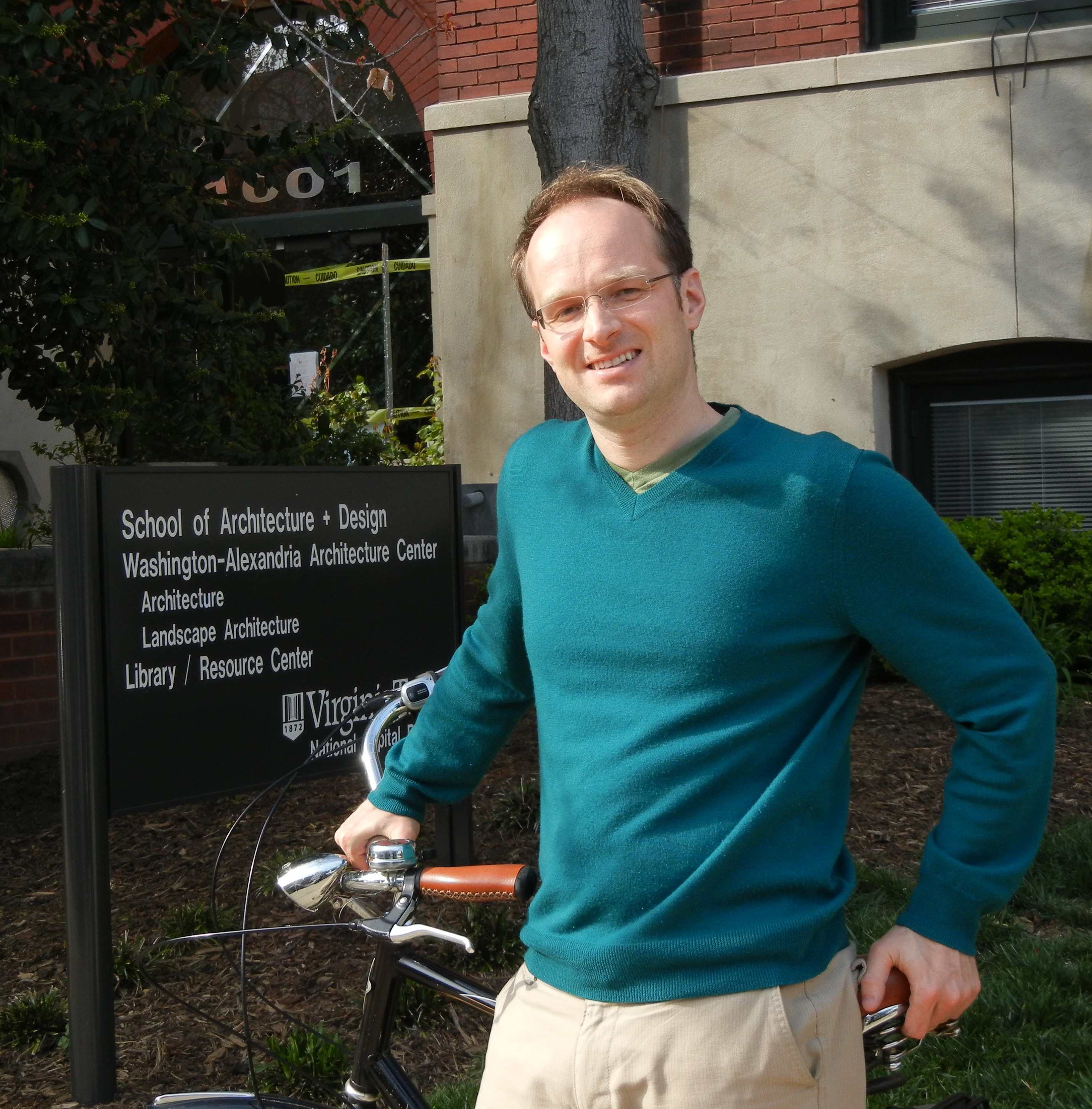 Ralph Buehler with his bicycle on the Virginia Tech campus in Old Town Alexandria