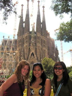 Semester at Sea students visit Sangre de Familia in Barcelona.