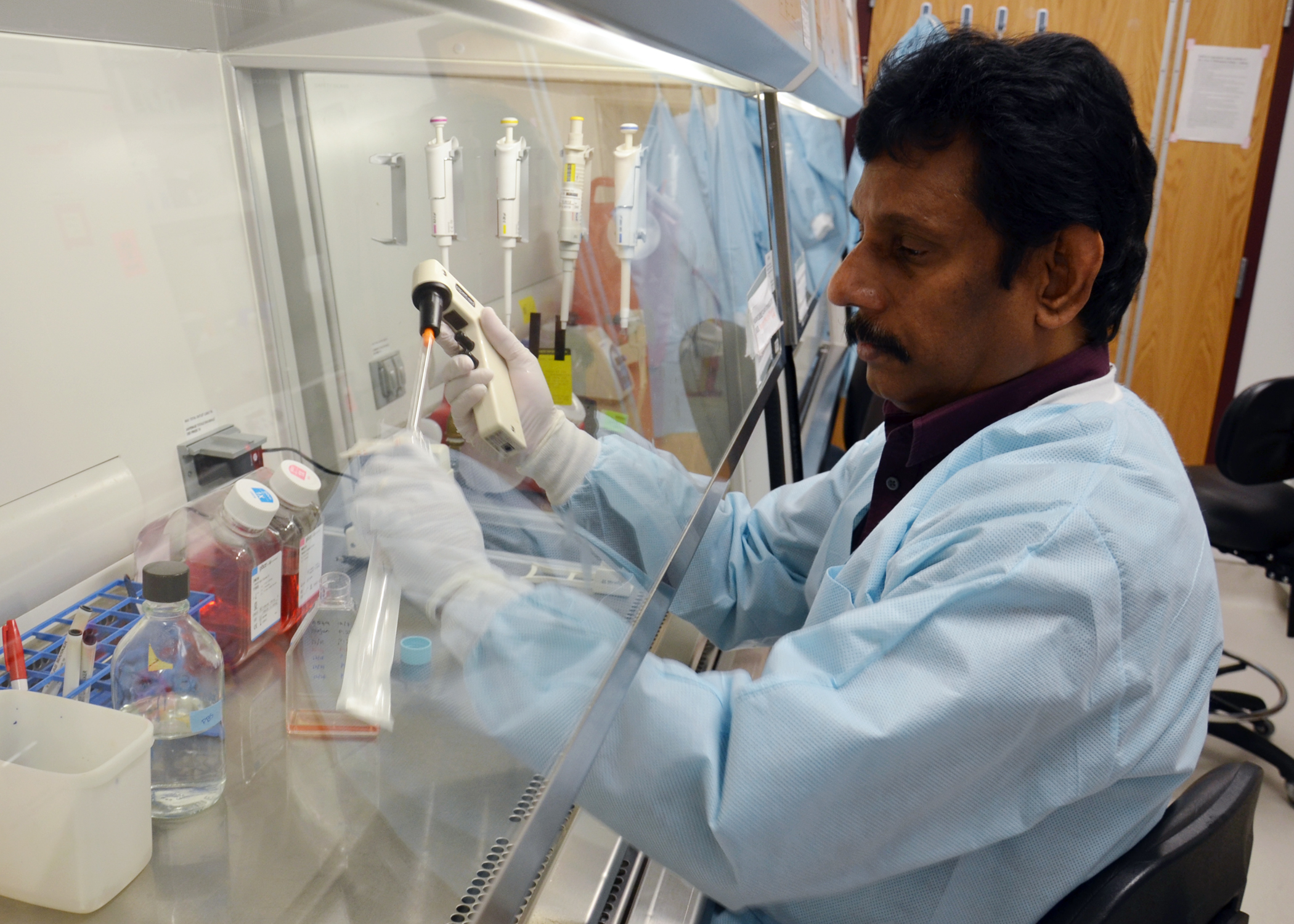 Dr. Elankumaran Subbiah in the lab