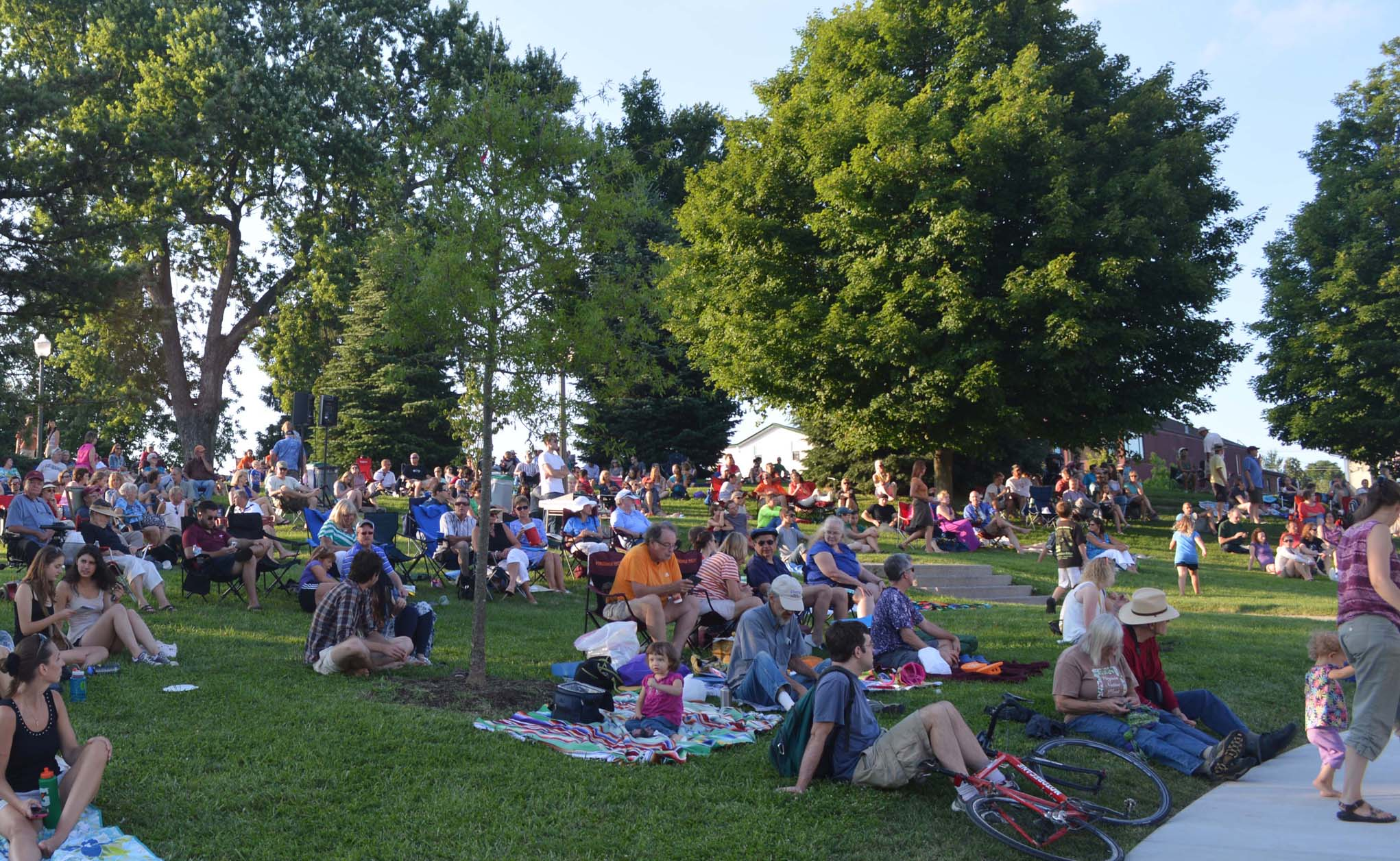 Blacksburg Summer Arts Festival on Henderson lawn