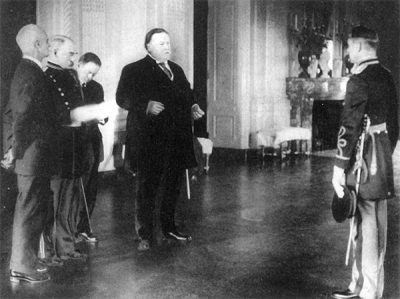 Julien E. Gaujot, Class of 1894, receiving the Medal of Honor from then-U.S. President William Taft