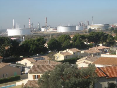 Homes and industrial plants are in close proximity to one another in Fos-sur-Mer.