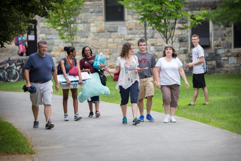Summer academy students move-in