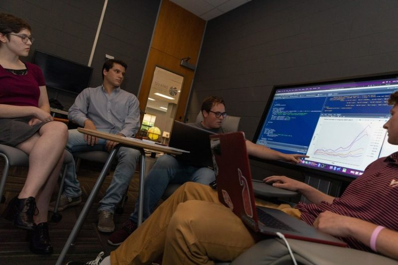 DataBridge undergraduate students help graduate students and faculty overcome data challenges.