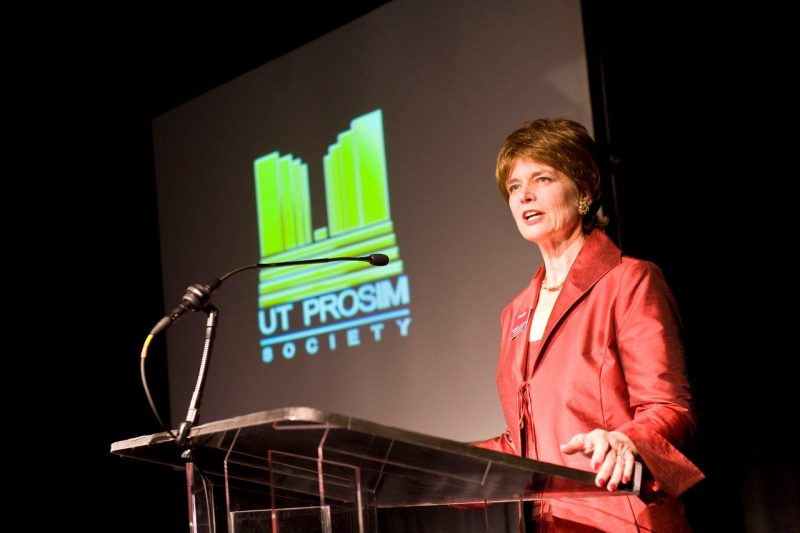 "Elizabeth A. ""Betsy"" Flanagan speaking at a meeting of the Ut Prosim Society of Virginia Tech donors in 2009."